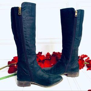 Host Pick | CHELSEE GIRL |  High black boots